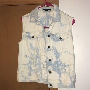 Forever 21 Sleeveless Blue Jean Jacket